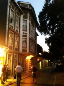 dış bina 225x300 Sultanahmetin İncisi; Yeşil Ev Otel !