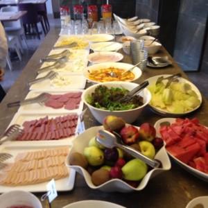 kahvaltı3 300x300 Ramada Istanbul Grand Bazaarda huzuru tadın !