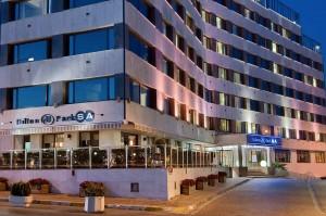 Hilton Parksa Yilbasi 300x199 2014 Yılbaşı Programları Istanbul