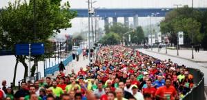 istanbul askina kosunuz vodafone istanbul maraton 3 300x145 İstanbul aşkına koşunuz! 36.Vodafone Istanbul Maratonu