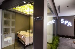 elara hotel spa 300x199 Karşıyakada Nerede Kalınır